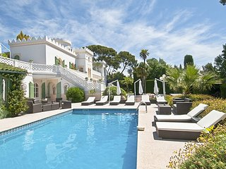 10 bedroom Villa in Boulouris-sur-Mer, Provence-Alpes-Côte d'Azur, France : ref