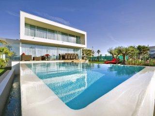 5 bedroom Villa in Saint-Joseph, Occitania, France : ref 5049498