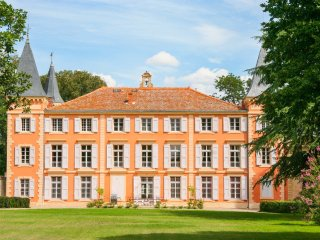 10 bedroom Chateau in Béziers, Occitania, France : ref 5049493