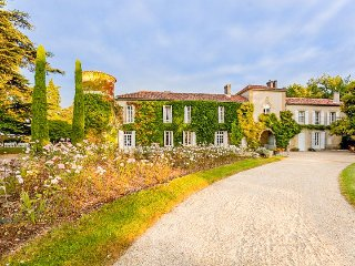 13 bedroom Chateau in Larressingle, Occitania, France - 5049465