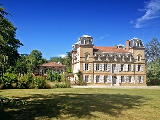 9 bedroom Chateau in Castagnac, Occitania, France : ref 5049468