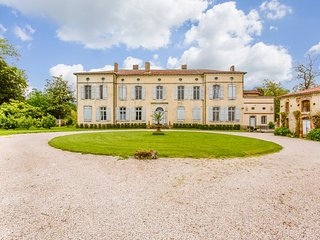 10 bedroom Chateau in Castelnau-Picampeau, Occitania, France : ref 5049456