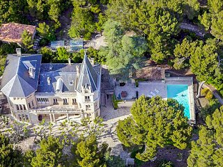 8 bedroom Chateau in Vacqueyras, Provence-Alpes-Cote d'Azur, France : ref 504939