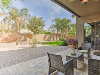 Gilbert Home w/Pool Table & Fire Pit Near Golfing!