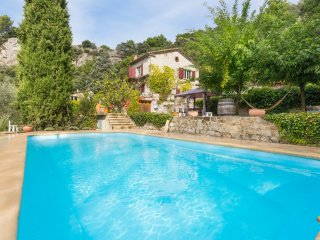 6 bedroom Villa in Vaison-la-Romaine, Provence-Alpes-Cote d'Azur, France : ref 5
