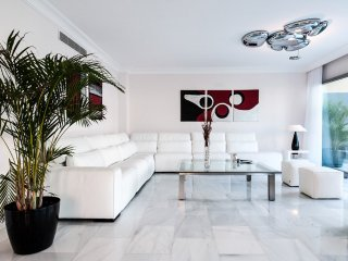 Meloneras Villa Sleeps 8 with Pool and Air Con - 5049274