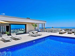 5 bedroom Villa in Benitachell, Region of Valencia, Spain - 5049203