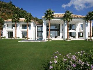 5 bedroom Villa in Benahavis, Andalusia, Spain : ref 5049247