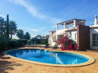 3 bedroom Villa in Vale do Lobo, Faro, Portugal : ref 5049179