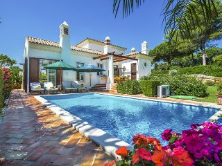 4 bedroom Villa in Quinta do Lago, Faro, Portugal : ref 5049155