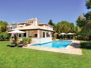4 bedroom Villa in Aldeia das Acoteias, Faro, Portugal : ref 5049135