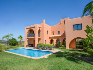 4 bedroom Villa with Pool, Air Con and WiFi - 5049108