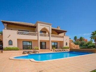 5 bedroom Villa in Monte Raposo, Faro, Portugal : ref 5049110