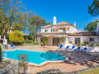 5 bedroom Villa in Quinta do Lago, Faro, Portugal : ref 5049161