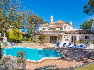 5 bedroom Villa in Quinta do Lago, Faro, Portugal : ref 5049161