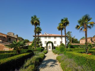 18 bedroom Villa in Libbiano, Tuscany, Italy : ref 5049078