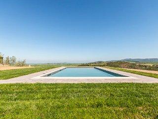 Sensano Villa Sleeps 22 with Pool and Air Con - 5049076