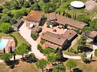 10 bedroom Villa in Frassini, Tuscany, Italy : ref 5049073
