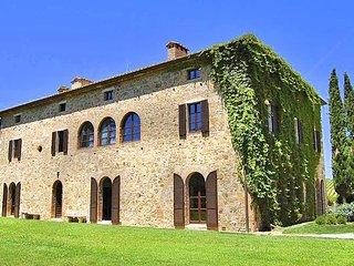 12 bedroom Villa in Torrenieri, Tuscany, Italy : ref 5049056