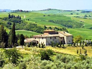 15 bedroom Villa in Asciano, Tuscany, Italy : ref 5049044