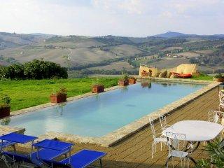 Castelluccio Villa Sleeps 12 with Pool - 5049046