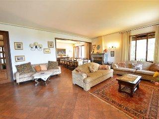 Vagliagli Villa Sleeps 14 with Pool - 5049016
