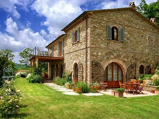 4 bedroom Villa in Molino Vitelli, Umbria, Italy : ref 5048978