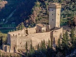 5 bedroom Chateau in Capodacqua, Umbria, Italy : ref 5048982