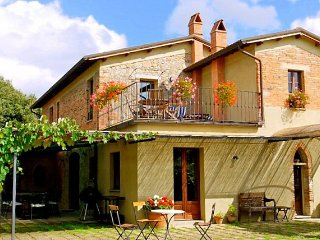 5 bedroom Villa in Vergelle, Tuscany, Italy : ref 5049001