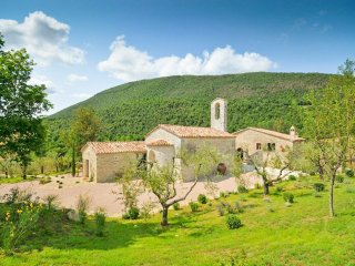 8 bedroom Villa in La Bruna di Spoleto, Umbria, Italy : ref 5048971