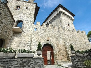 14 bedroom Chateau in Case Colle, Umbria, Italy : ref 5048964
