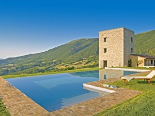 3 bedroom Chateau in Antognola, Umbria, Italy : ref 5048961