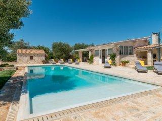 3 bedroom Villa in La Pergola, Apulia, Italy : ref 5048917