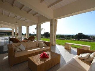 Casa Camarina Villa Sleeps 12 with Pool and Air Con - 5048885
