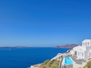 3 bedroom Villa in Oia, South Aegean, Greece : ref 5048854
