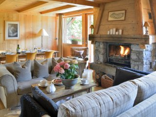 4 bedroom Chalet in Les Tines, Auvergne-Rhone-Alpes, France : ref 5048820
