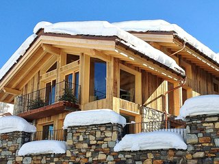 5 bedroom Chalet in Saint-Martin-de-Belleville, Auvergne-Rhone-Alpes, France : r