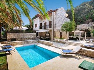 5 bedroom Villa in Lazaret, Dubrovacko-Neretvanska Zupanija, Croatia : ref 50488
