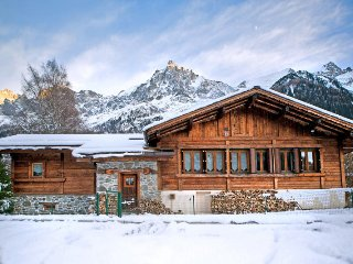 4 bedroom Chalet in Les Bossons, Auvergne-Rhône-Alpes, France : ref 5048814