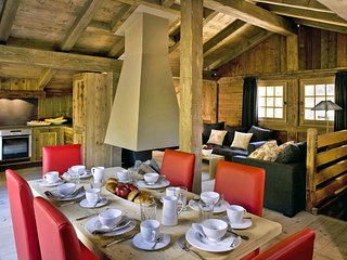 3 bedroom Chalet in Les Bossons, Auvergne-Rhone-Alpes, France : ref 5048807
