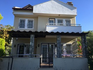 3 Bedroom Villa with Pool and WIFI