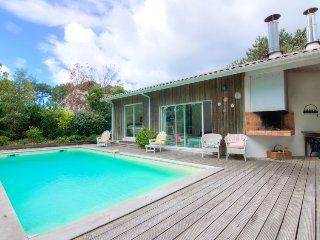 4 bedroom Villa in Le Moutchic, Nouvelle-Aquitaine, France : ref 5046870