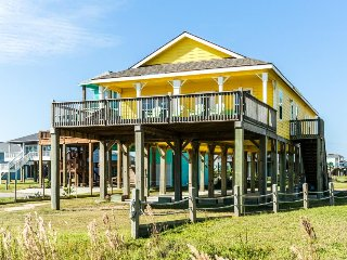 Inviting, dog-friendly beachfront home w/an outdoor firepit & room for everyone!
