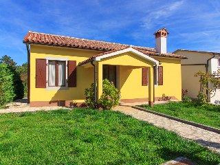 Beautiful new villa Corina with private pool, max 5 persons