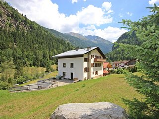 Beautiful home in Sankt Leonhard im Pitztal w/ Sauna and 10 Bedrooms