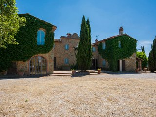 5 bedroom Villa in Rinecchi, Tuscany, Italy : ref 5696775