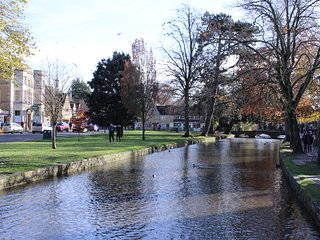 Bourton on the water offers tourist attractions, shops and restaurants.