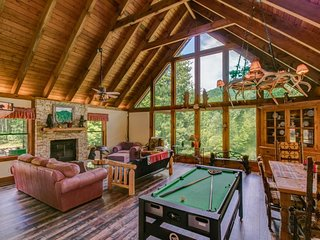 Rustic, comfortable lodge on 19 acres adjoining national forest