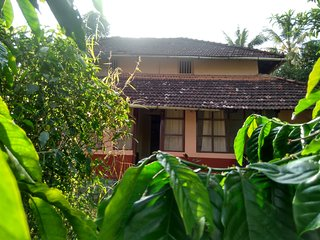 Thotad Mane – The Vintage Estate Home