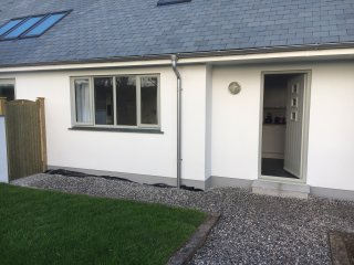 Stylish Guest Suite 1 ,walking distance to Padstow.Woodlands Close.